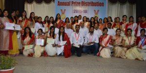 phoca_thumb_l_annualprize2015-16 10